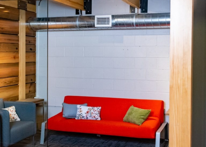 Coworking-in-the-Nest-Meeting-Room